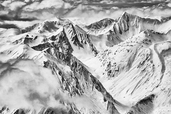 Blackmountainswhite.com - Berge in schwarzweiss - Look Mai 2021 - 1