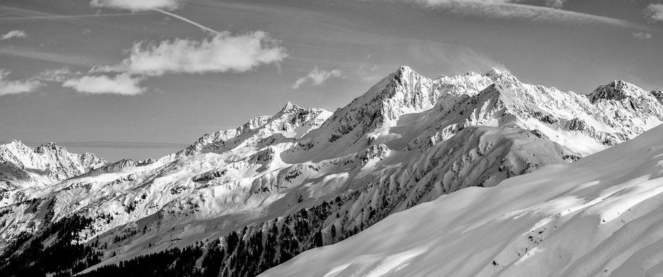 Omesspitze hoch über dem Wasserstubental in der Nähe vom Skigebiet Sonnenkopf