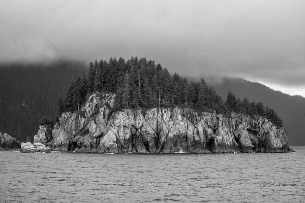 Tausende kleine Insel ragen aus dem Meer empor