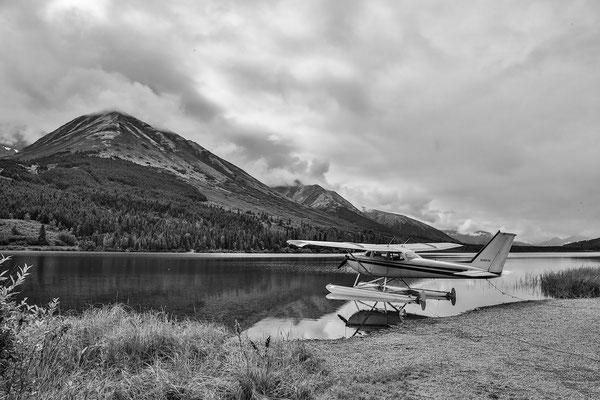 Summit Lake - Hier benutzt man Wasserflugzeuge zum Transport
