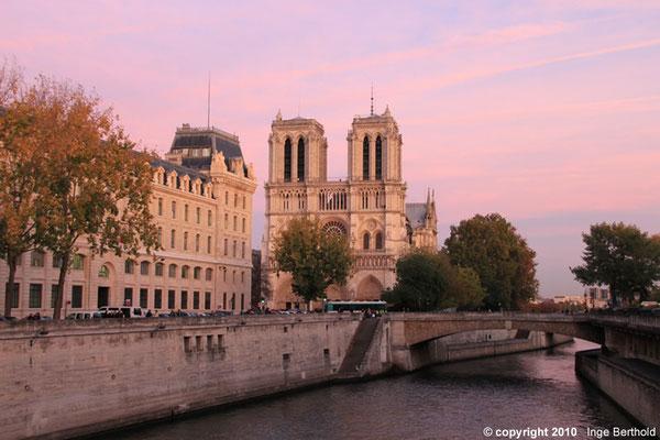 Notre Dame eins