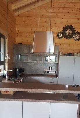 Küche im Holzhaus in Blockbauweise - Einfamilienhaus