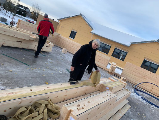 Blockhausbau - Blockhaus Baustelle - Bauen im Winter - Neubau in Bayern - Finnisches Holzhaus