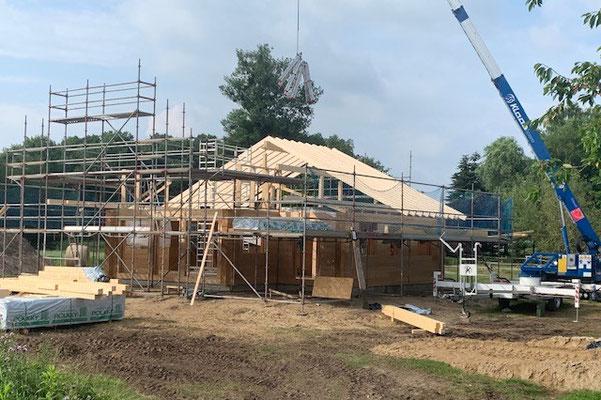 Wohnblockhaus - Blockhaus Rohbau - Individuelles Design - Gesundes Raumklima - Blockhäuser nach Kundenwunsch - Kompetente Beratung - Montageservice - Vertrieb - Hauskauf