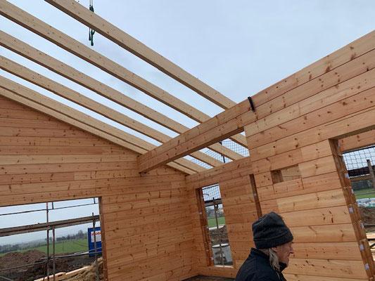 Blockhausbau - Dachsparren - Holzhaus in Blockbauweise