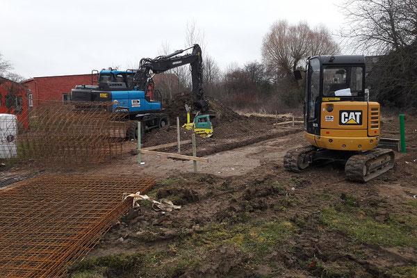 Blockhaus - Baustelle - Erdarbeiten - Niedersachsen - Holzbau Brandt - Blockhausbau - Bodenplatte - Fundament