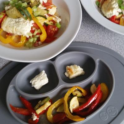 Ofen-Feta mit buntem Gemüse