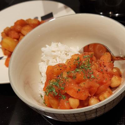 Kichererbsen-Eintopf mit Karotte und Kartoffel