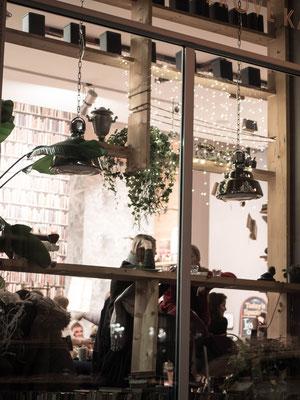 Séjour à Prague, Bohème café