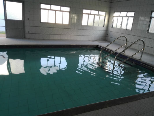 Das Schwimmbad - es steht auch für uns offen! :)