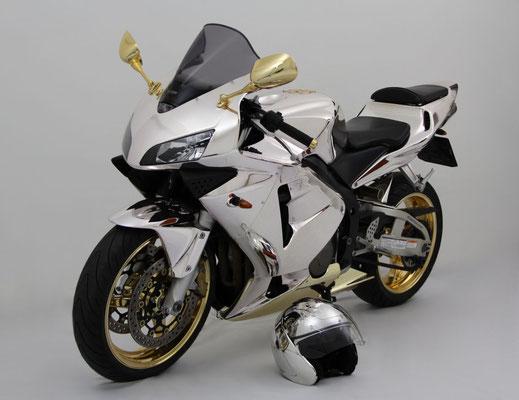 Motorrad in Chromlack