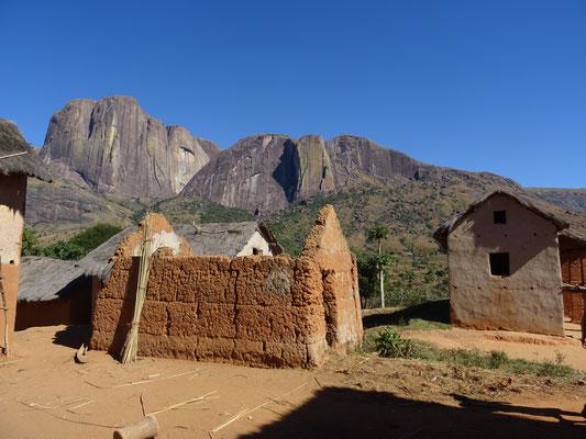 L'un des village, au fond de la vallée