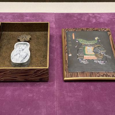 硯箱の中の瓢型の硯が可愛らしい。小川破笠作。