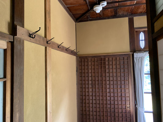 コートや帽子の壁面収納