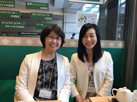 札幌から寺嶋恭子さん。名古屋メンバーと一緒にお茶をしました。