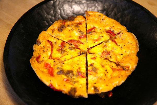ひき肉とパプリカのカレー風味フリッタータ