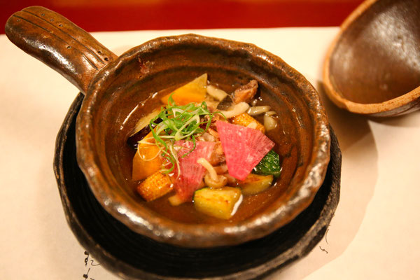 スッポンと野菜。上品なお出汁の味わい。