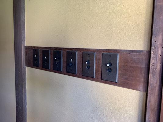 アメリカ製の電気スイッチ