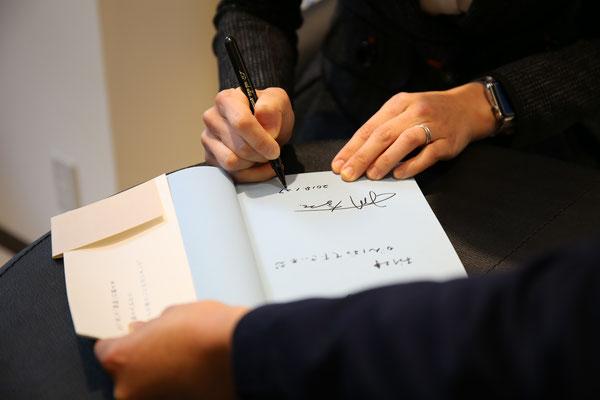 書店でのサイン会は人生初☆