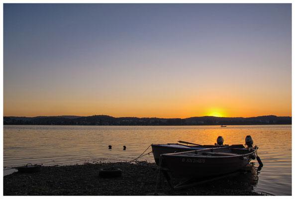 Fischerboote bei Sonnenaufgang 9446