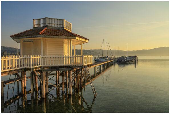 Bootshaus in Bodman im Morgenlicht 4066