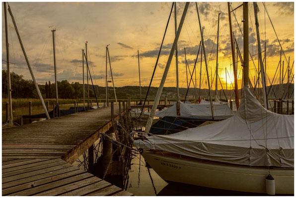 Sonnenaufgang im Jachthafen Bodman 2902