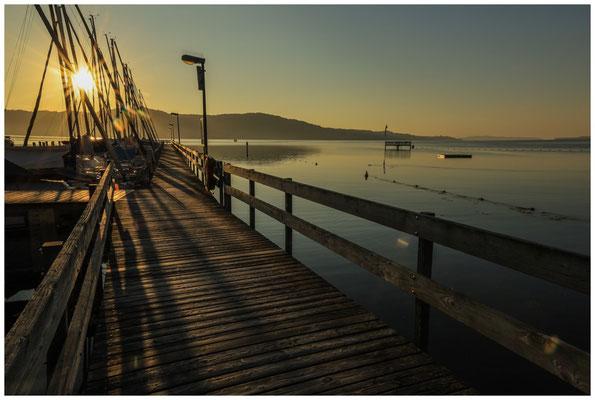 Steg im Jachthafen Bodman mit Blick auf den Überlinger See 0184