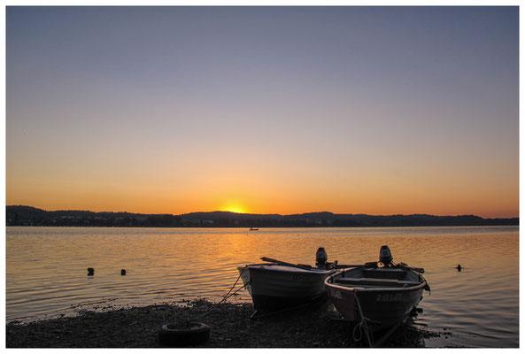 Fischerboote bei Sonnenaufgang 9445