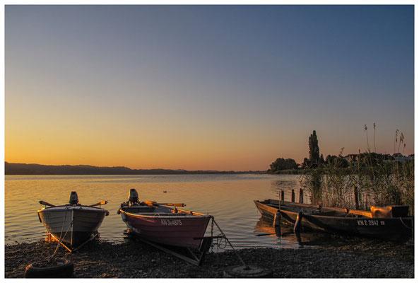 Fischerboote bei Sonnenaufgang 9493