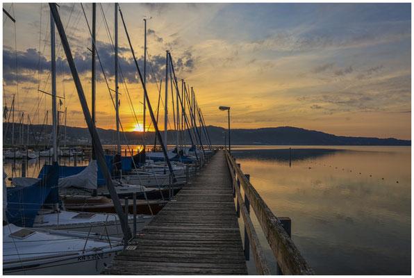 Sonnenaufgang im Jachthafen Bodman 2887
