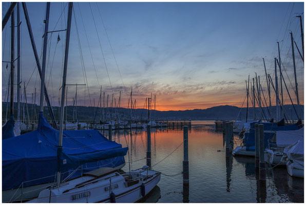 Morgendämmerung im Jachthafen Bodman 2836