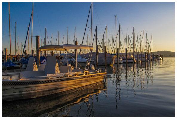 Yachthafen Insel Reichenau bei Sonnenaufgang 9556