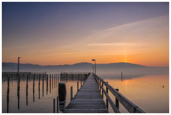 Steganlage Jachthafen Bodman kurz vor Sonnenaufgang 3078