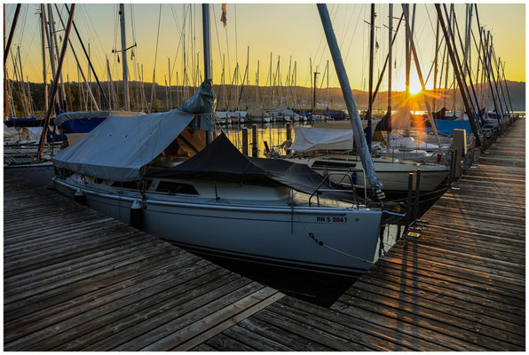 Boote im Jachthafen Bodman bei Sonnenaufgang 0150