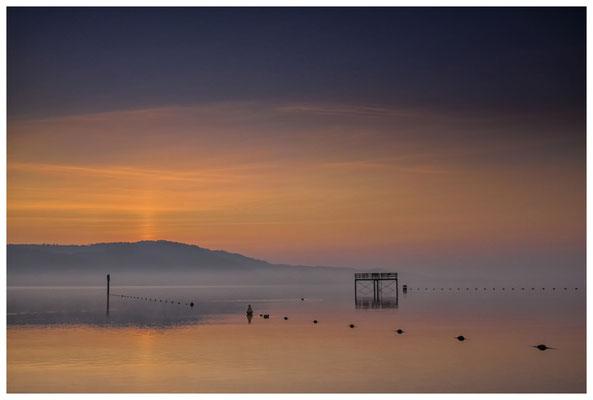 Sprungturm vom Strandbad Bodman in der Morgendämmerung - Überlinger See 3051