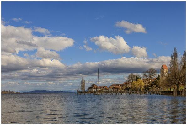 Bodman mit Blick auf den Kirchturm, die alte Greth, den Überlinger See und die Alpen 2010