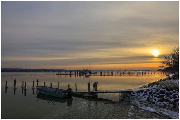Wintermorgen in Iznang mit Fischerboot 6061