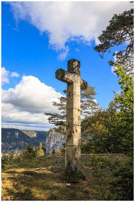 Steinkreuz auf dem Hohlen Fels 8308
