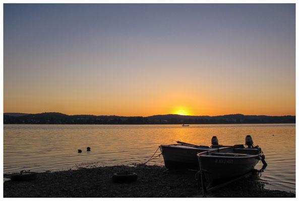 Fischerboote bei Sonnenaufgang 9453