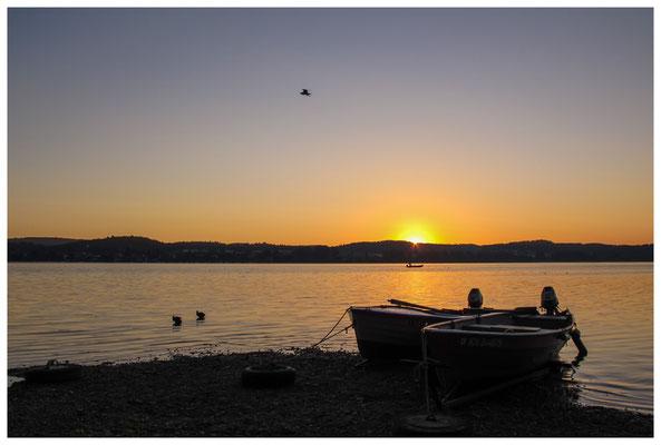 Fischerboote bei Sonnenaufgang 9460