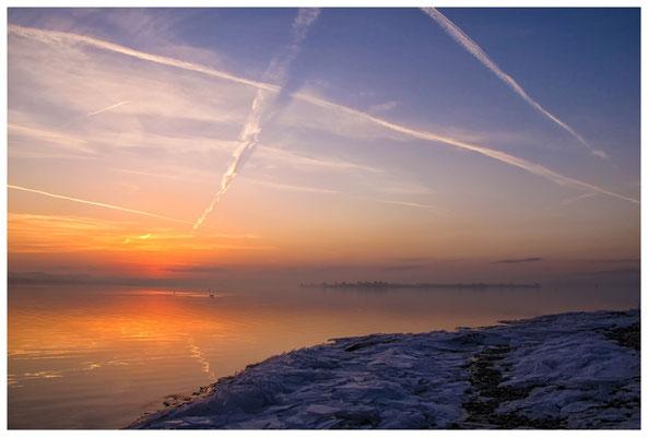 Morgendämmerung an der Mettnauspitze mit Blick auf die Insel Reichenau 2830