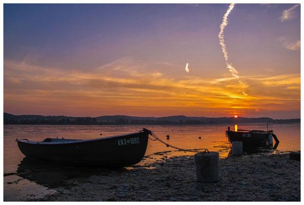 Sonnenaufgang mit Fischerbooten auf der Insel Reichenau 0084
