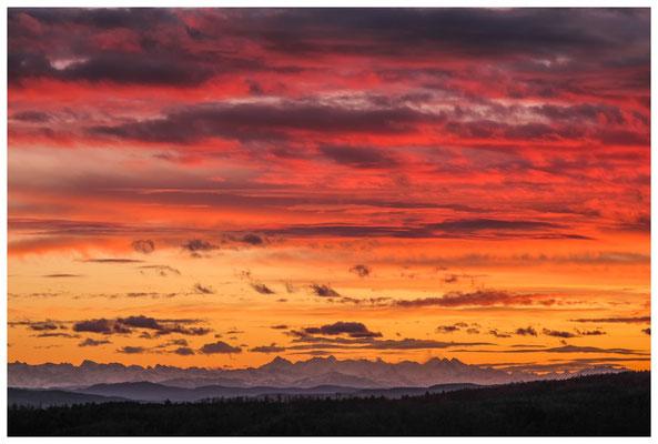 Blick auf die Alpenkette im Abendlicht bei Föhnstimmung 3922