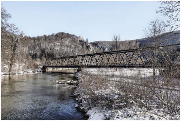 Eisenbahnbrücke über die Donau 5793