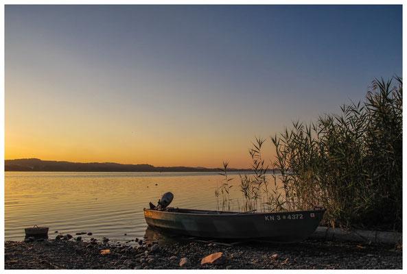 Fischerboote bei Sonnenaufgang 9505