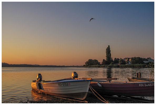 Fischerboote bei Sonnenaufgang 9486