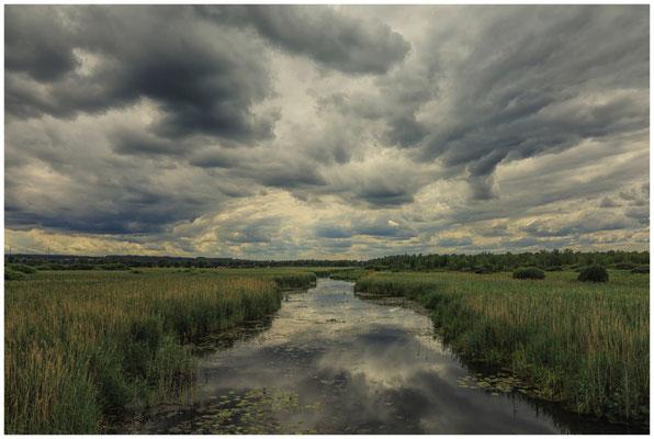 Wolken über dem Federseekanal 3344