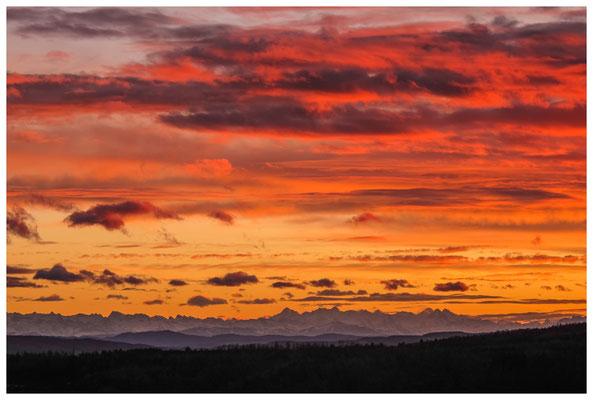 Blick auf die Alpenkette im Abendlicht bei Föhnstimmung 3917