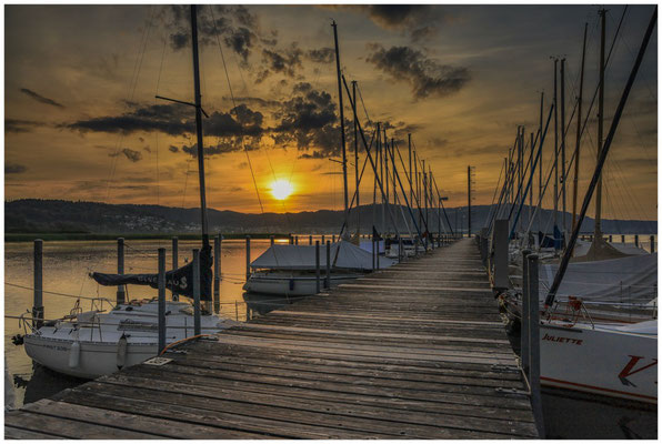Sonnenaufgang  im Jachthafen Bodman 2904