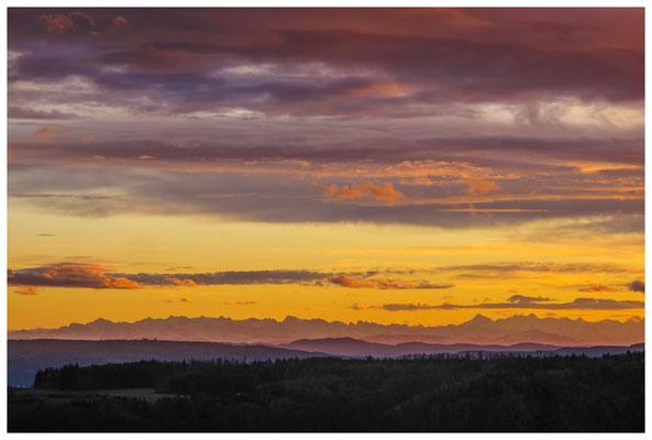 Blick auf die Alpenkette im Abendlicht bei Föhnstimmung 3889